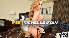 Naughty America VR – Richelle Ryan